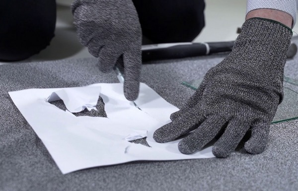 Cut resistant fabrics and gloves