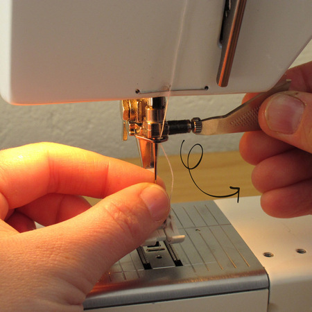 Inserting and changing the needle